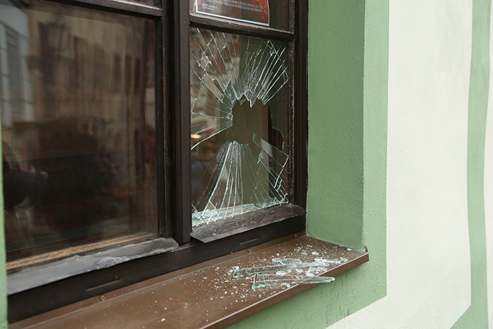A2B Glass are able to board up broken windows while they are being repaired in Lancaster Gate.